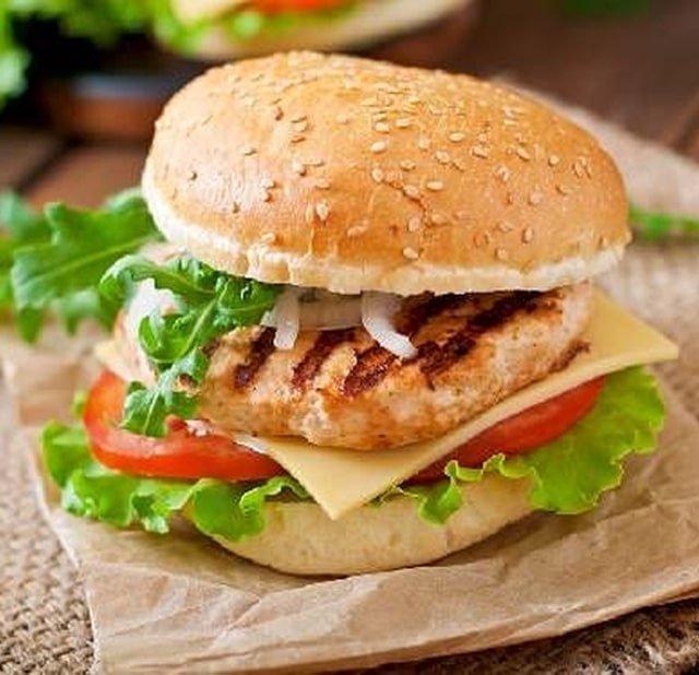 Курица бургер