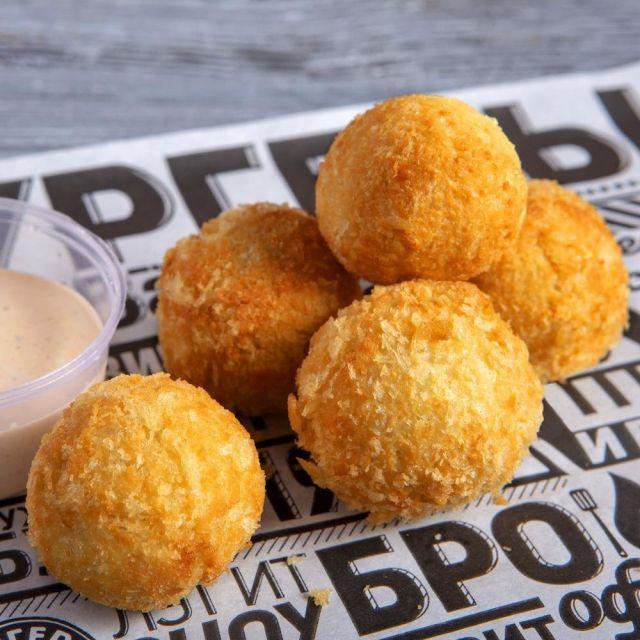 Сырные шарики с кукурузой